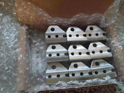 10 Fixations de hale-bas en aluminium anodisé