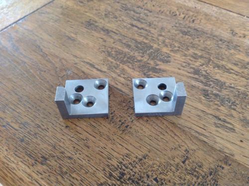 1 jeu de 2 plaques pivot (gauche/droit)