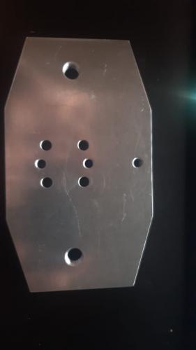 Plaque métallique pour trottinette